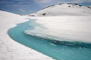 Fonte d'un lac vers l'Etendard