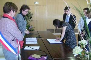 Premier PACS en mairie de Grenoble le 24 mars 2012